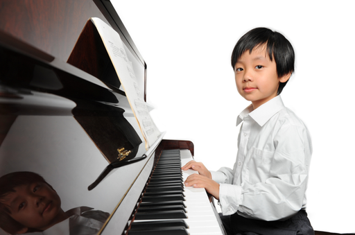 child+piano.png